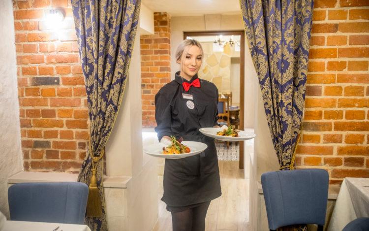 Obsługa w Restauracji Poziom