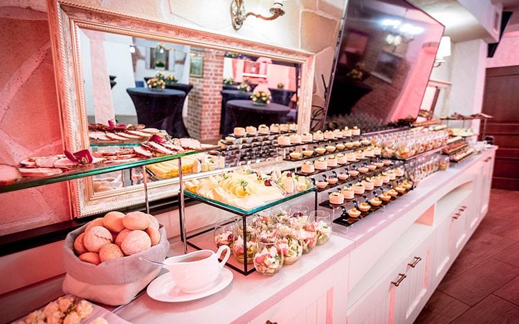 Imprezy okolicznościowe w Restauracji Poziom
